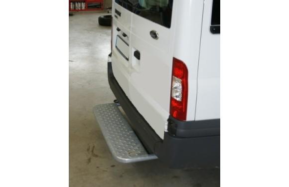 Starre Hecktrittstufe für Ford Transit, Bj. 2000-2014, für Fahrzeuge ohne Anhängerkupplung, Auspuffendrohr mittig unter dem Fahrzeug