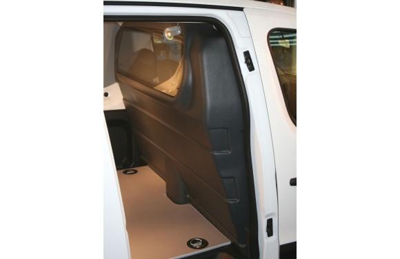 Trennwand mit Fenster für Peugeot Partner, Bj. 2008-2018, mit Schiebetür rechts, aus ABS-Kunststoff stoffbezogen