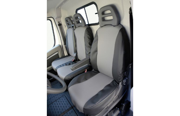 Sitzbezug für Nissan NV400, Bj. ab 2010, aus Kunstleder, Doppelbank vorn mit 2-teiliger Sitzfläche