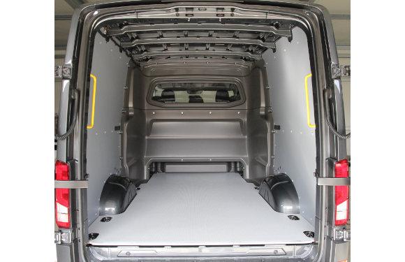 Laderaumboden für MAN TGE Kastenwagen Plus mit Heckantrieb