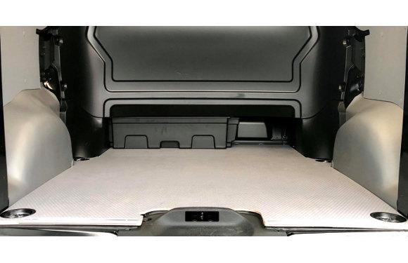 Radkastenverkleidungen in einem Toyota Proace